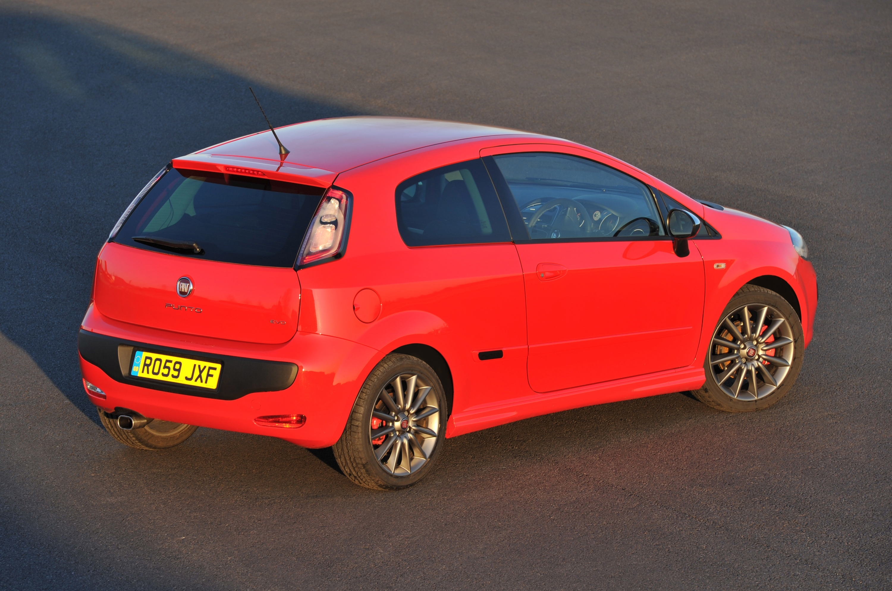 fiat punto evo 1 4 16v multiair 135 sporting car write ups. Black Bedroom Furniture Sets. Home Design Ideas