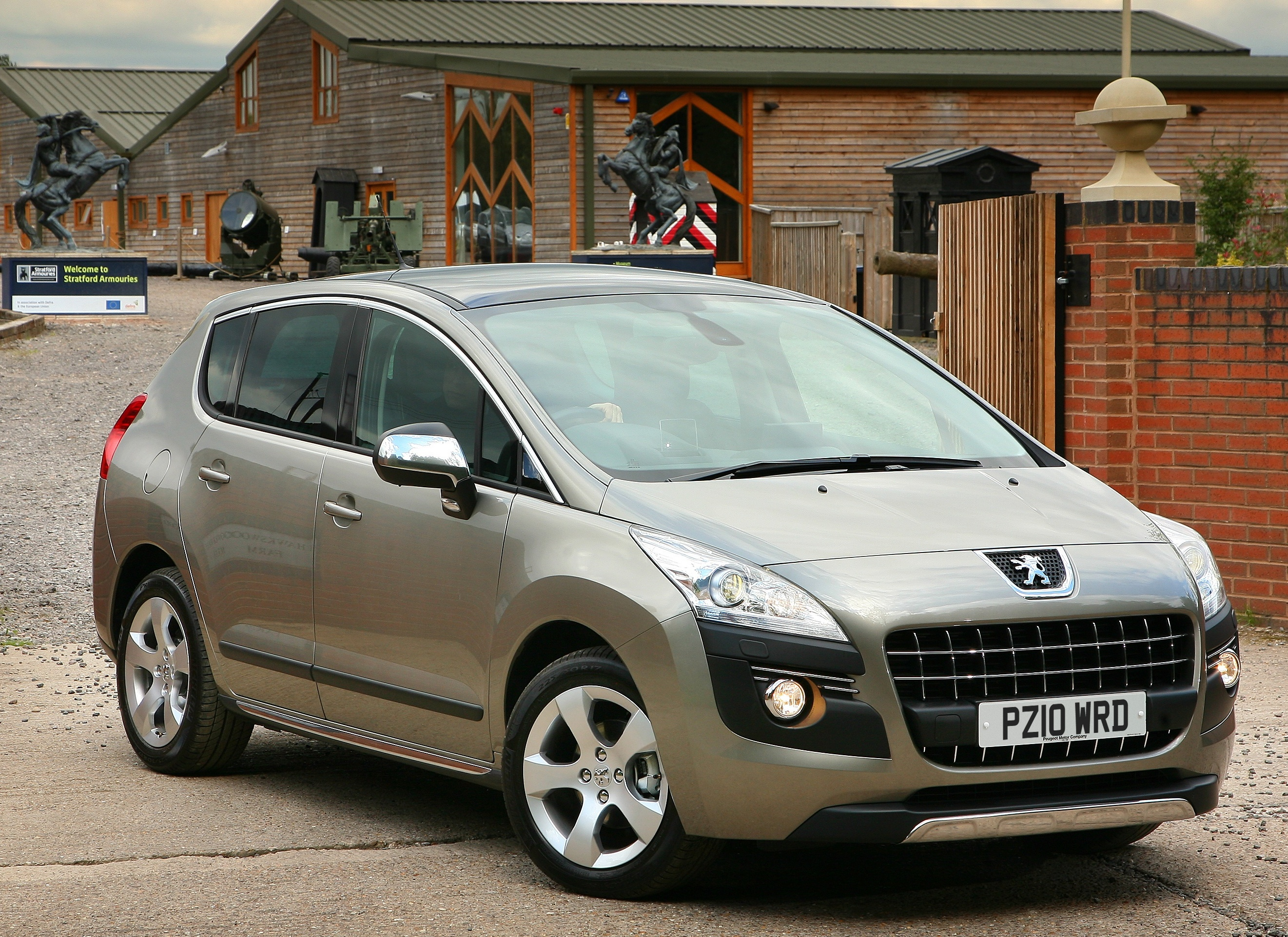 peugeot 3008 exclusive hdi 112 car write ups. Black Bedroom Furniture Sets. Home Design Ideas