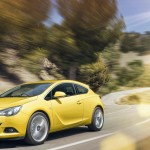 Vauxhall Astra GTC - On the road
