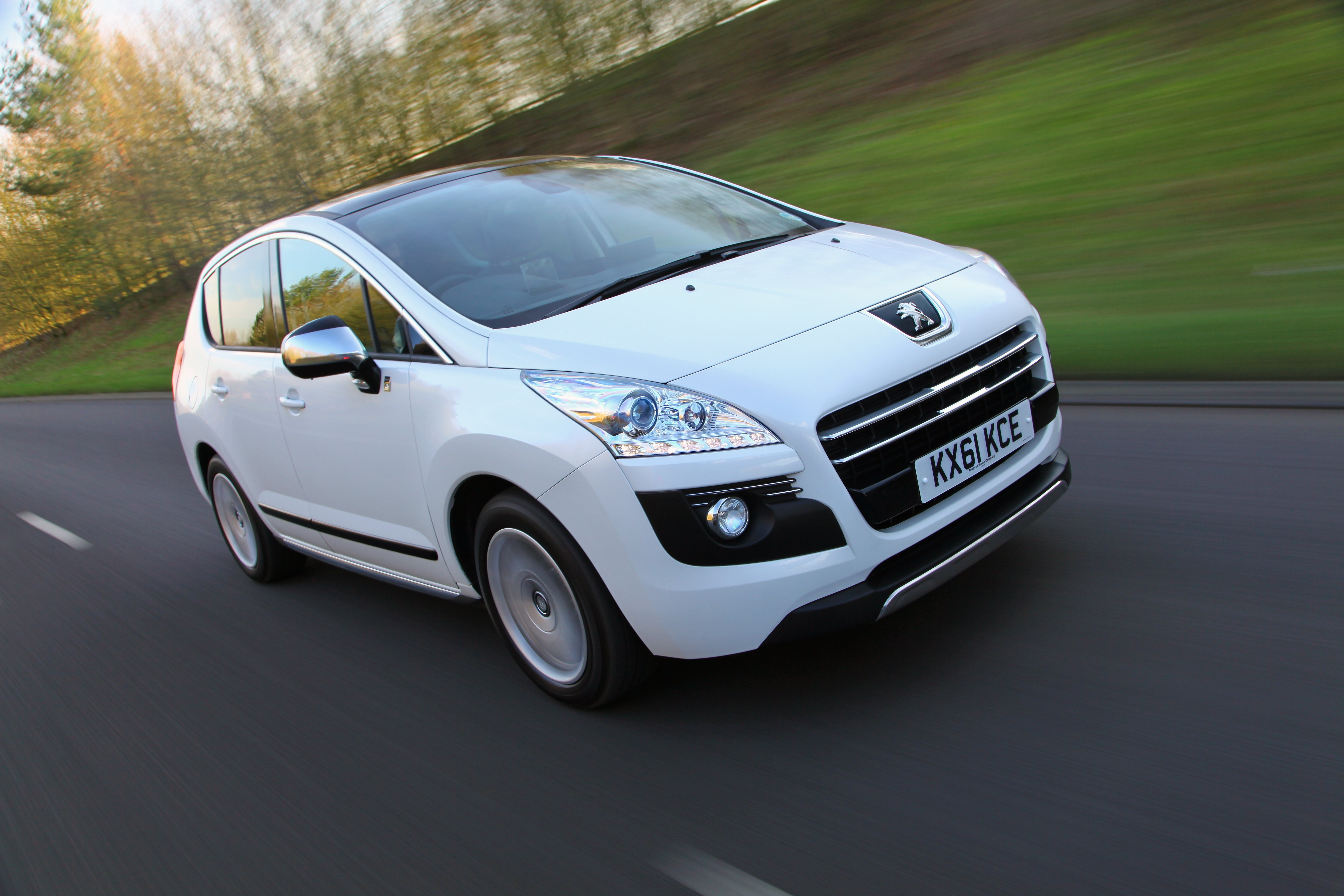 peugeot 3008 2 0 hdi hybrid4 104g car write ups. Black Bedroom Furniture Sets. Home Design Ideas