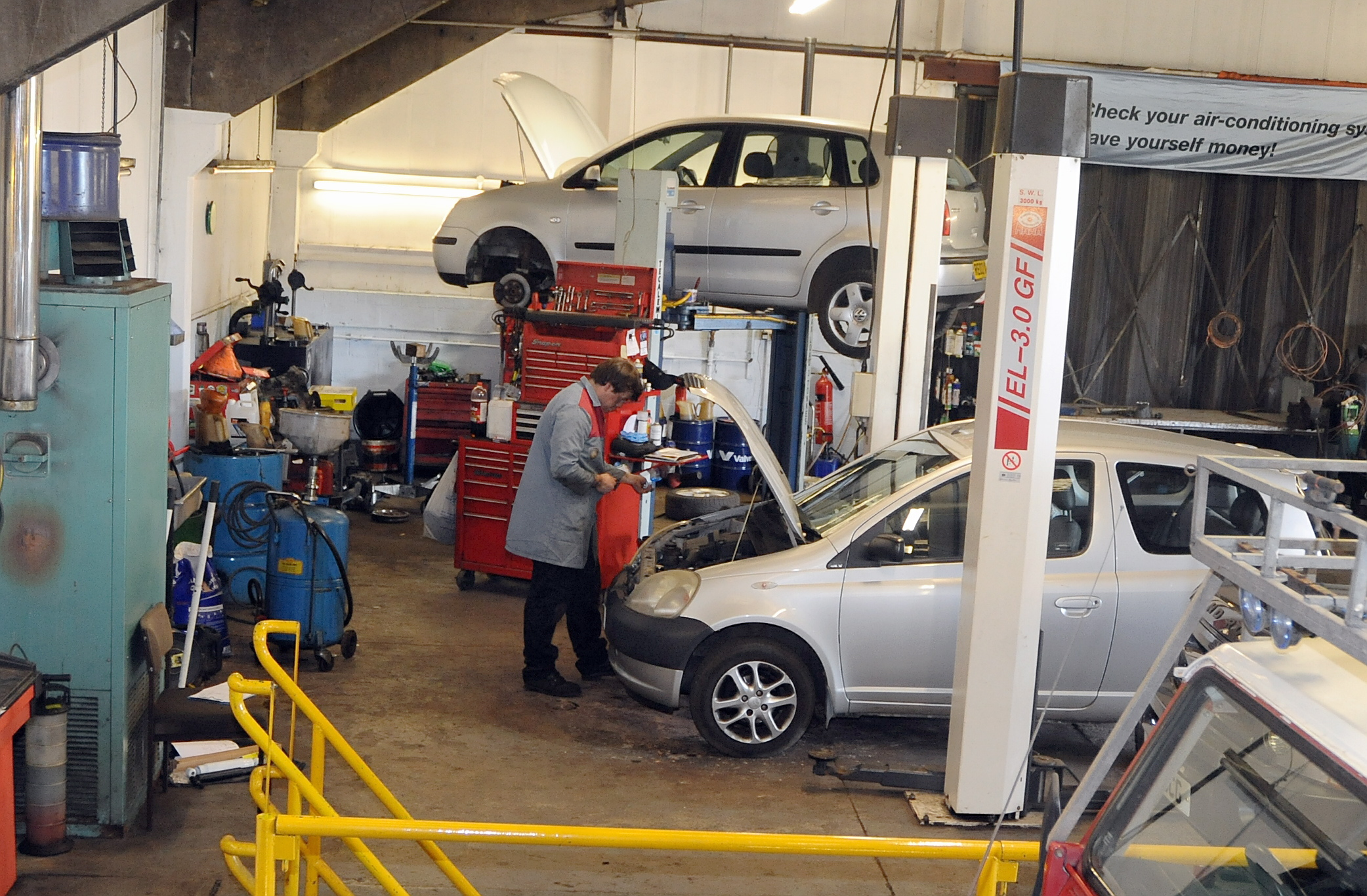 Uk motorists forking out hundreds on unexpected car repair for Garage reparation auto