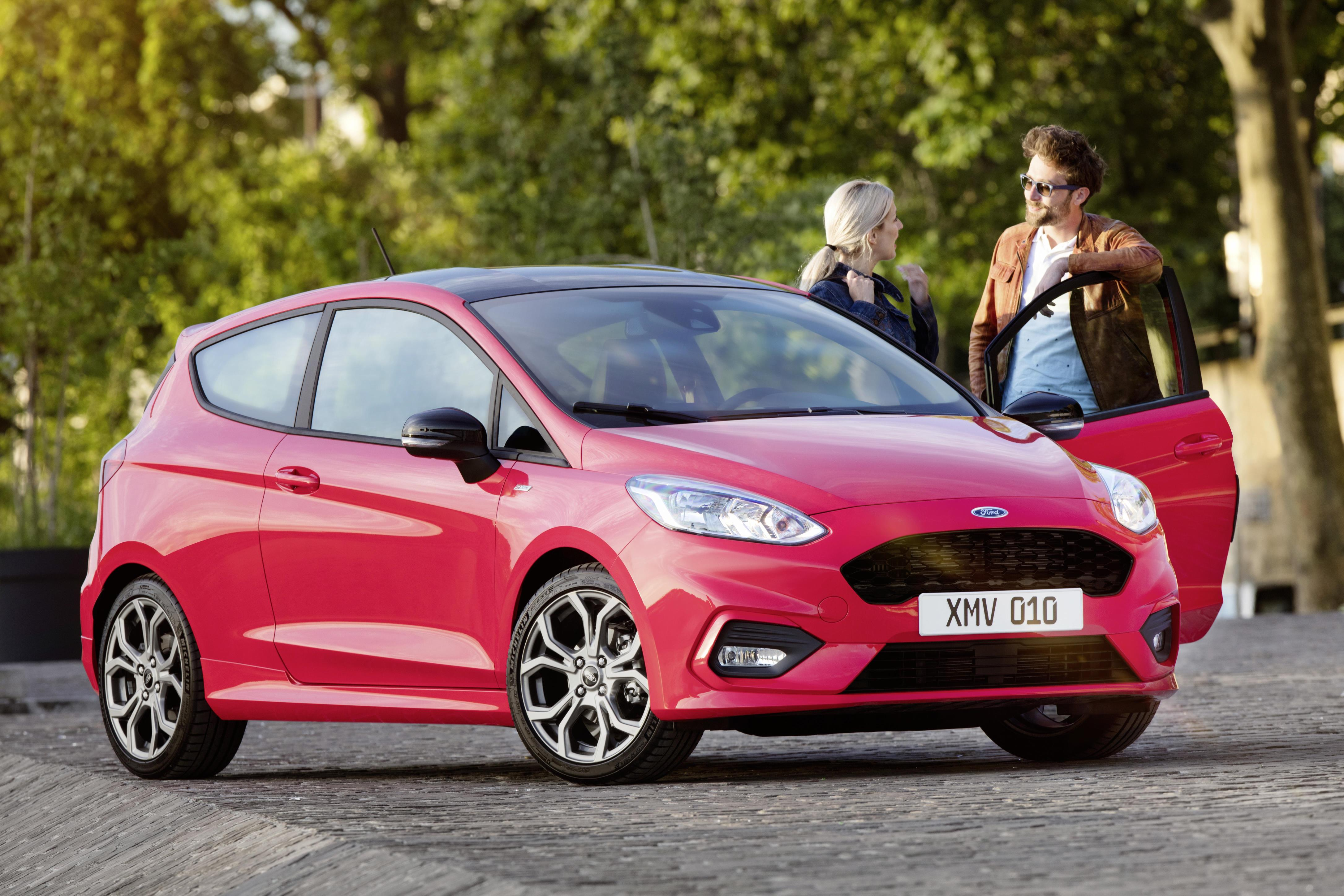 Fiesta St Line 140 >> All-New Ford Fiesta 2017 review by motoring journalist, Tim Barnes-Clay.