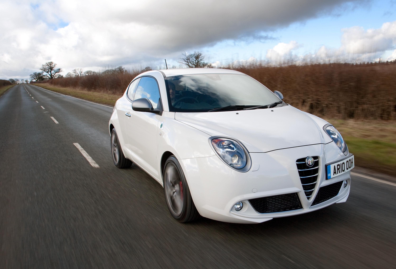 Alfa Romeo Mito >> Alfa Romeo MiTo 1.4 TB MultiAir 135bhp Distinctive - Car ...