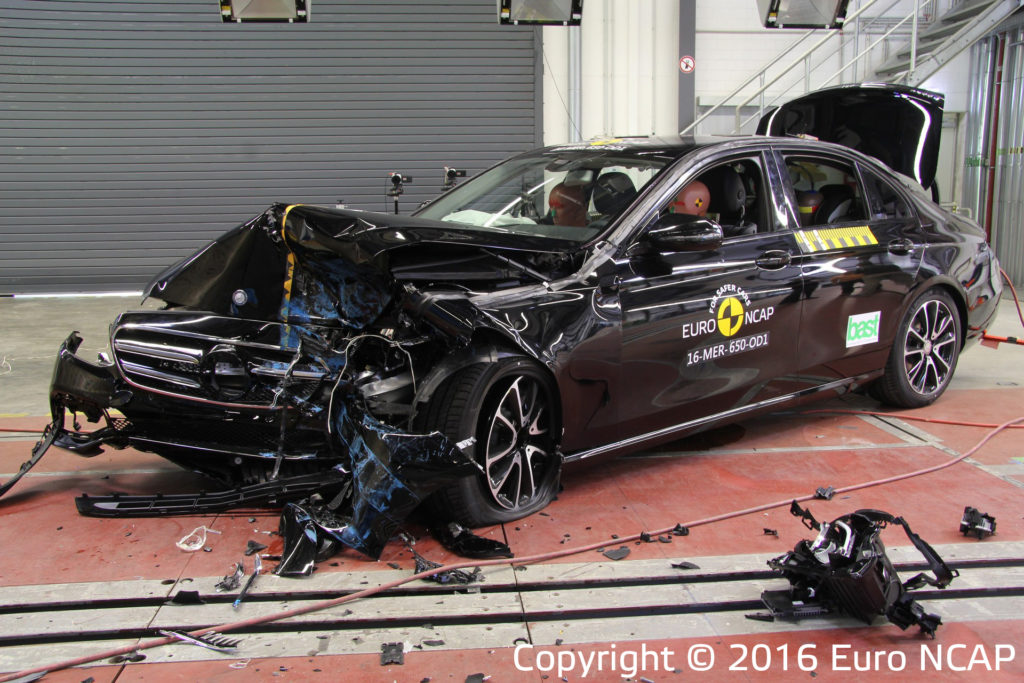 mercedes-benz-e-class-after-crash