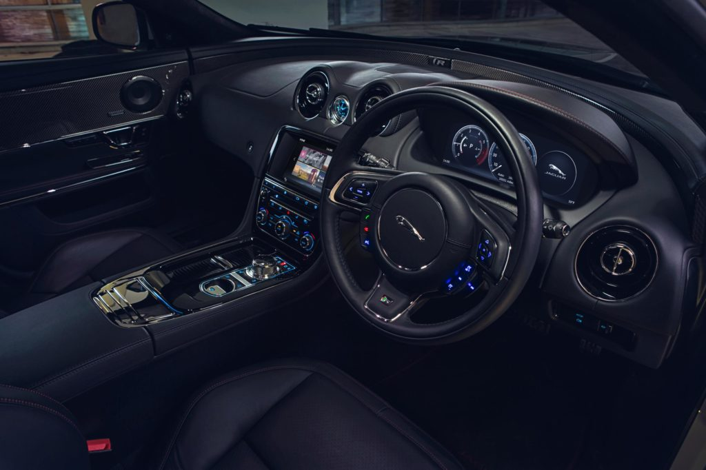 jaguar-xj-cabin